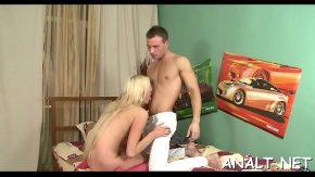 Femei blonde care dreseaza puli