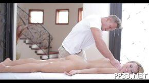 Femeia aceasta cere mult masaj erotic