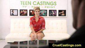 Casting pentru femeia care nu a mai facut filmulete erotice