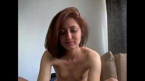 Romanca a uitat sa isi epileze pizda cand a intrat online