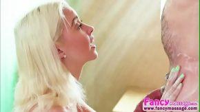 Sex fortat cu o escorta blonda ce te invita la ea acasa