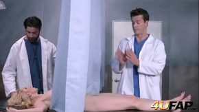 Doi medici ginecologi fut aceeasi femeie