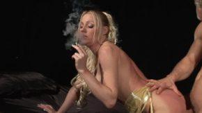 O suge bine si mai trage si dintr-o tigara